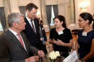 Jule Schneider with Bundespräsident Gauck at Woche der Umwelt
