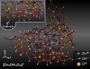 Self-organization of ZnO during nucleation from ethanolic solution. (Image: Zahn)
