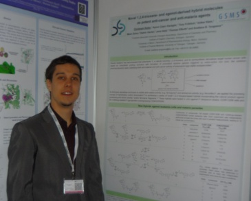 CHRISTOPH (at the 10th Discovery Chemistry Congress in Barcelona) present their posters (Image: Reiter)