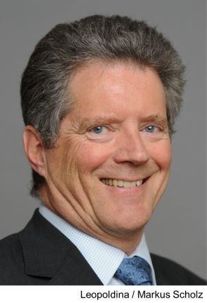 Portrait Prof. Dr. Hans-Peter Steinrück